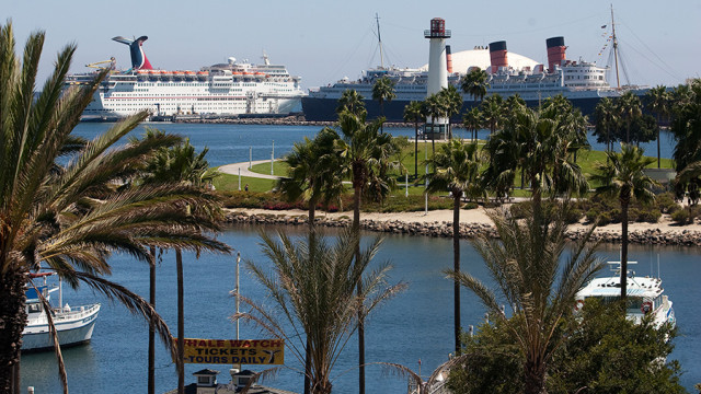 Cruise ship in Long Beach