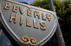 A Beverly Hills sign. Photo by John Schreiber.
