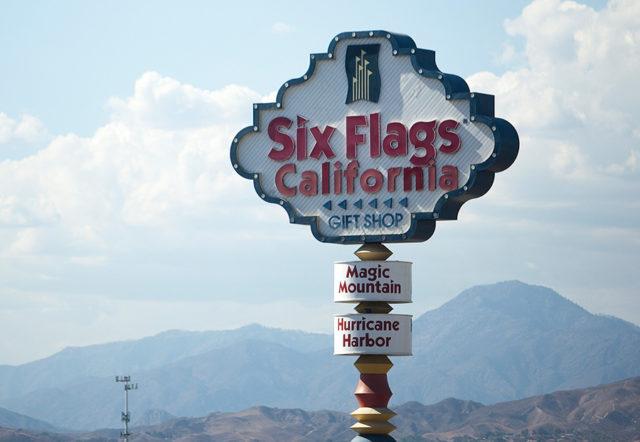 six flags magic mountain sign
