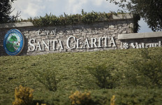 A City of Santa Clarita marker. Photo by John Schreiber.