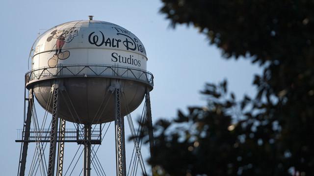 disney studios sign