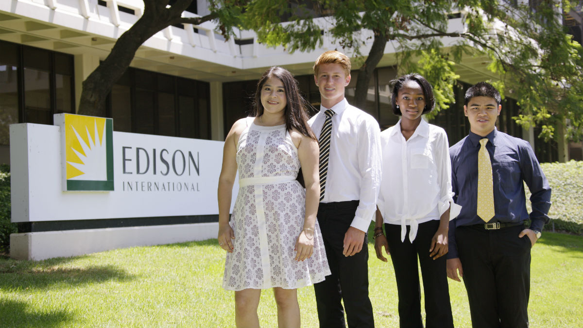 2013 Edison Scholars  Jasmine Esparza, Jeff Wettstein, Chika Okonkwo and Alexander Chan. Photo courtesy Edison International.