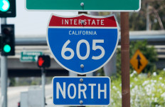 A 605 Freeway sign.
