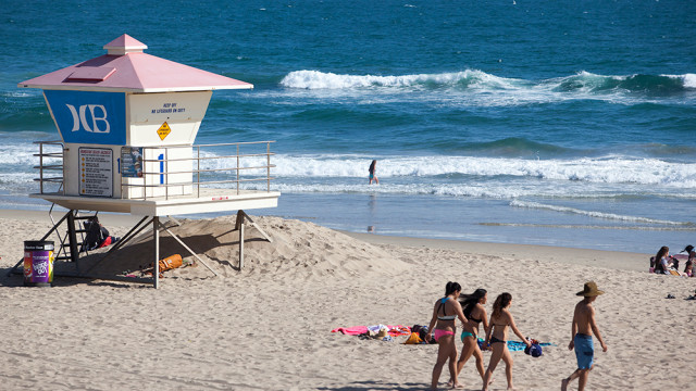 A lifeguard station at Huntington Beach. MyNewsLA.com Photo