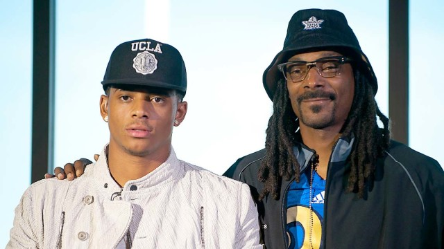Snoop Dogg and son Cordell Broadus. Image via Twitter.