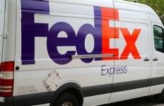 a fedex truck