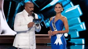 Steve Harvey gets it right at Miss Universe, reading name of Miss Philippines. Photo via Facebook