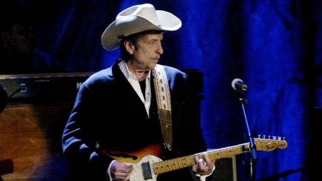 Rock musician Bob Dylan performs at the Wiltern Theatre in Los Angeles. REUTERS/Robert Galbraith