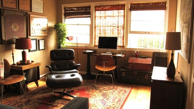 A tiny vintage apartment in Los Angeles. Photo by Jessica Parker, original photo on Houzz