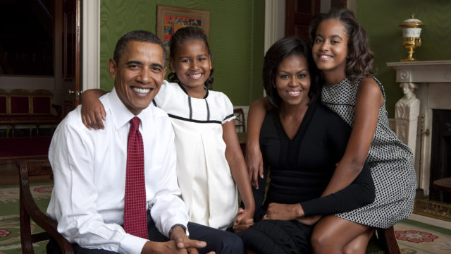 President Barack Obama, First Lady Michelle Obama, and their daughters, Sasha and Malia, sit for a family portrait in the Green Room of the White House, Sept. 1, 2009. Photo: Official White House Photo/ Annie Leibovitz / Released by White House Photo Office