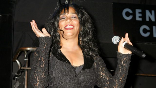 Joni Sledge performs at a Hurricane Katrina benefit concert in Los Angles in 2006. REUTERS/Fred Prouser