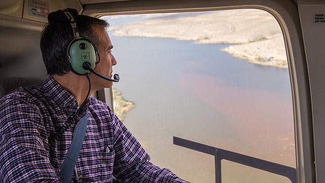 As part of his visit to the Owens Valley on May 8, 2017, Los Angeles Mayor Eric Garcetti spoke to people on the ground and was given an aerial tour of the area. Photo courtesy Mayor Garcetti's office.