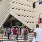Crowds outside The Broad museum in downtown Los Angeles. Courtesy of The Broad
