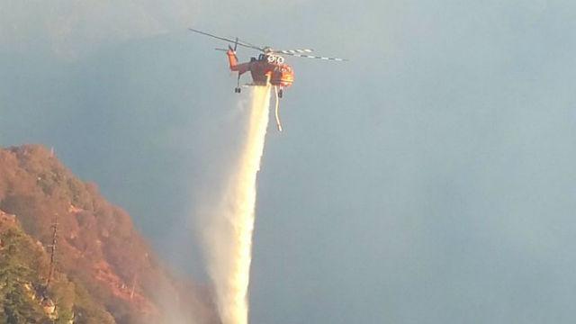 Helicoper water drop on Wilson Fire