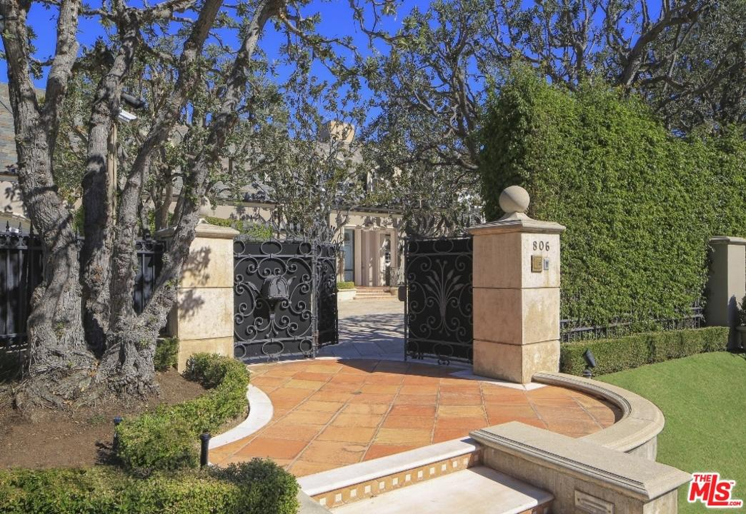 Beverly hills mansion record price buy it for only 58 8 for Buy house beverly hills