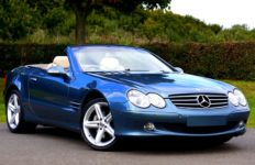 A Mercedes-Benz convertible. Photo from Pixabay.