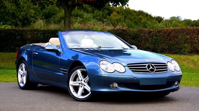A Mercedes Benz Convertible. Photo From Pixabay.