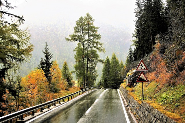 An example of a mountain highway. Photo from Pixabay.