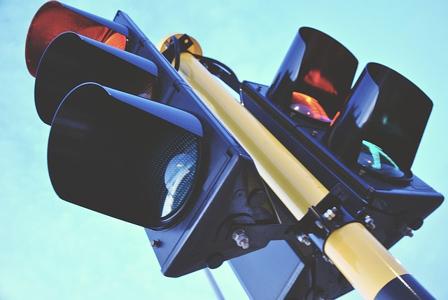A set of traffic lights. Photo from Pixabay.
