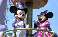 Mickey and Minnie Mouse. Photo from Pixabay.