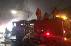 Firefighters battle blaze in Huntington Park